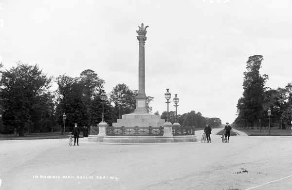 Phoenix Park, Dublin City, Co. Dublin, photographed by Robert French between 1865 and 1914. The photo features the Phoenix Column, which was erected in 1747 and is capped by a phoenix rising from ashes.