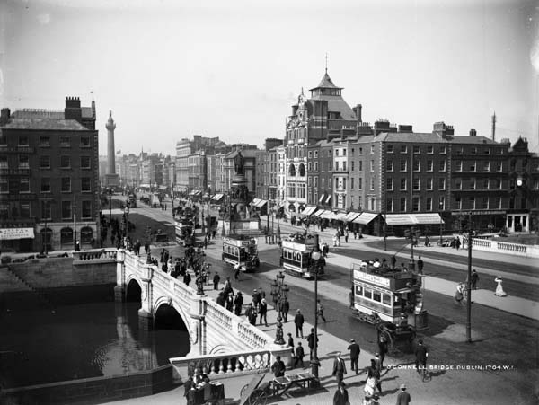 O'Connell Bridge, Dublin, photographed by Robert French ca. July 1900. From the National Library of Ireland's digitized Lawrence Photograph Collection.